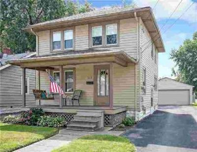 512 Courtland St Fairport Harbor Three BR, Welcome to a home that