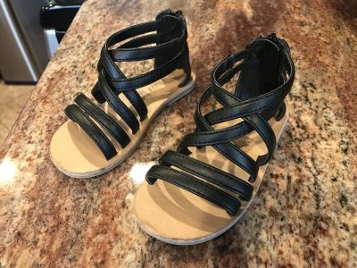 Toddler size 8 sandals