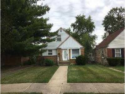 3 Bed 2 Bath Foreclosure Property in Calumet City, IL 60409 - 166th St