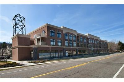 2 Bedroom with Den luxurious Apartment in Wilton