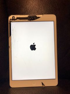 Cracked iPad mini 2 16GB silver