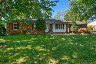 1578 Normandy Way Bowling Green Three BR, Seller is offering a