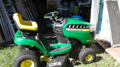 john deer lawn tractor 17.5 hoarse power runs great 42 inch cut