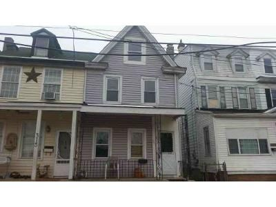 3 Bed 1.5 Bath Foreclosure Property in Gloucester City, NJ 08030 - Market St