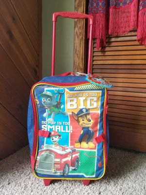 Nickelodeon Paw Patrol Suit Case on wheels + handle that extends. Like New/Excellent Condition