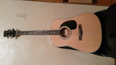 $90 Mitchell md100 acoustic guitar *perfect condition