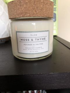 Moss & Thyme vegan soy candle