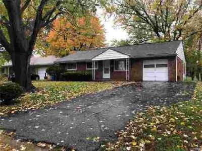 9009 Hurstgreen Overland, Three BR One BA home in a great