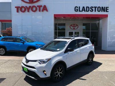 2016 Toyota RAV4 (Super White)