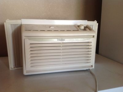 WIndow air conditioner unit