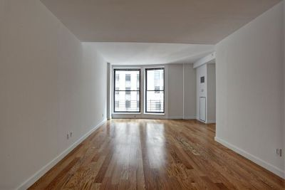 FREE RENT Huge 1,300sf 2Bed/2Bath Walk-in Close...