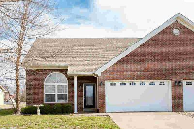 1848 Paddle Wheel Dr Jeff Three BR, This 1.5 story condo features