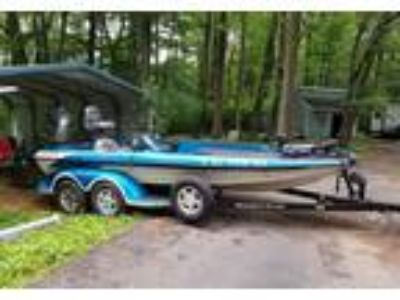 2002 Ranger Comanche-518VX Power Boat in Chester, NJ