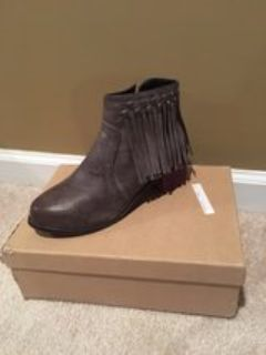 woman's grey boots