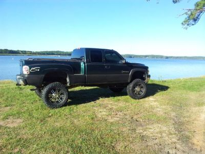 2001 4X4 Chevy Silverado 2500HD 9 inch lift