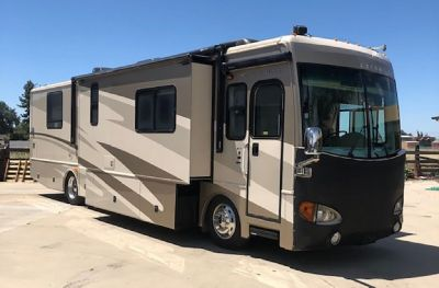 By Owner! 2006 40 ft. Fleetwood Excursion w/3 slides