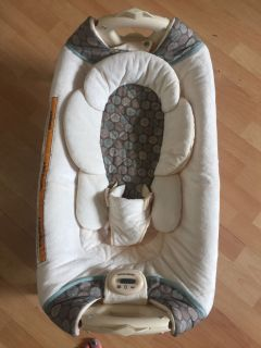 Graco Baby Bassinet