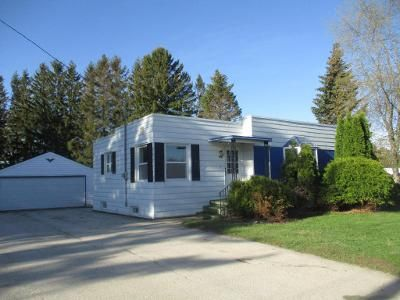 3 Bed 1 Bath Foreclosure Property in Francis Creek, WI 54214 - Forest Home Drive