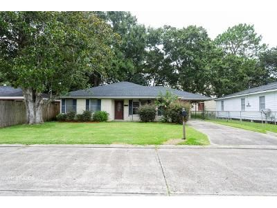 3 Bed 2 Bath Foreclosure Property in Houma, LA 70360 - Adoue St