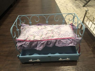 American Girl doll bed w/ pull out drawer