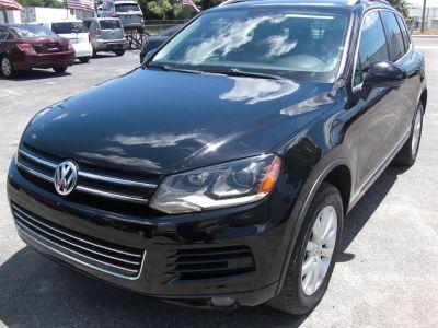 2012 Volkswagen Touareg TDI Sport (Black)
