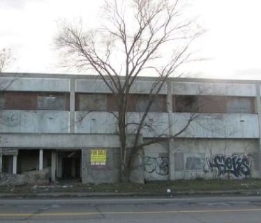 Prime Industrial Building: $49,900 Exceptional Business Investment Opportunity