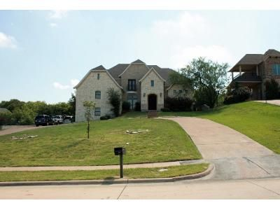 5 Bed 3.5 Bath Preforeclosure Property in Cedar Hill, TX 75104 - Golden Pond Dr