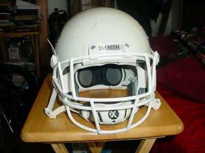 used xenith x1 youth football helmet w/facemask/chin strap white large