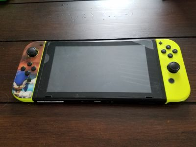 NINTENDO SWITCH, CONSOLE, CHARGING DOCK & CORDS