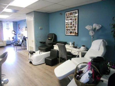 Nail Technician and Pedicurist Needed  (LaPlace LA )