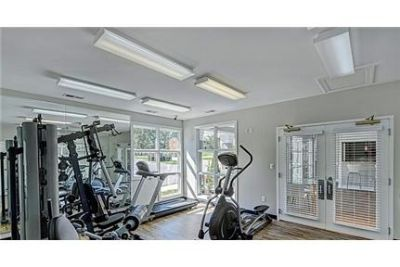 Lease Spacious 2+2. Approx 1,000 sf of Living Space!