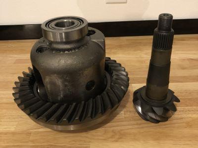 GM 12-Bolt Eaton Posi-Unit 30 Spline w/Motive 4.11 Gears
