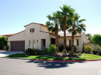 Lease this Beautiful Home, with Open Floor Plan inside Gated community of Sonora Wells