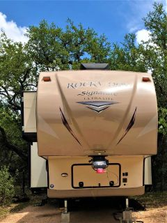 2015 Forest ROCKWOOD DIAMOND PACKAGE 5TH WHEEL