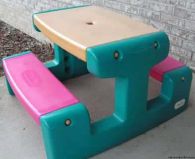 Little Tykes Kids Picnic Table