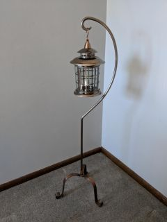Floor candle holder