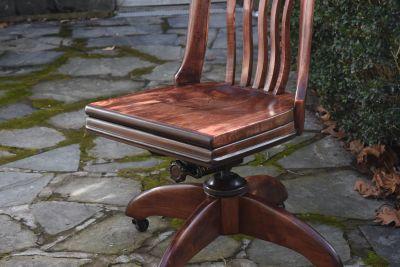 Vintage 1940s Gunlocke Banker's Chair