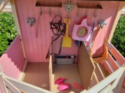 AMERICAN GIRL DOLL HOUSE
