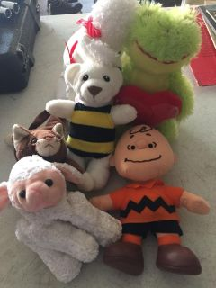 Stuffed animals and a jumprope