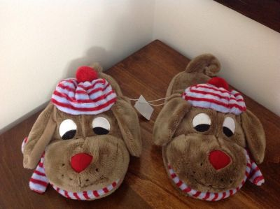 """ADORABLE """"WINTER DOG"""" HOUSE SHOES FROM OLD NAVY SIZE 1 / 2"""