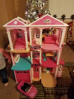 barbie dream house comes with all the original accessories never played with