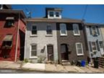 Three BR One BA In Easton PA 18042
