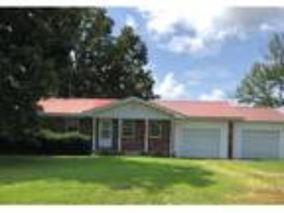 Two BR, Two BA, 1,350 sqft single family house in Prairie Grove