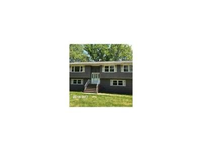 4 Bed 2 Bath Foreclosure Property in Englishtown, NJ 07726 - Tennent Rd