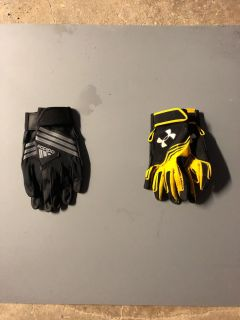 2 Pairs of Batting Gloves