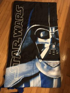 Star Wars Like New Sleeping Bag. Has Straps For Easy Packing. Nice Condition