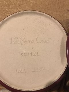 Pampered chef small casserole covered dish