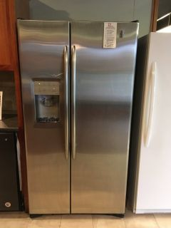 GE Stainless Steel Side by Side Refrigerator - USED