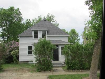 4 Bed 2 Bath Foreclosure Property in Litchfield, MN 55355 - S Holcombe Ave