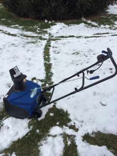 "LOOK Snow Joe; SJ1620 Electric 18"" snowthrower with cover like new CLEAN"